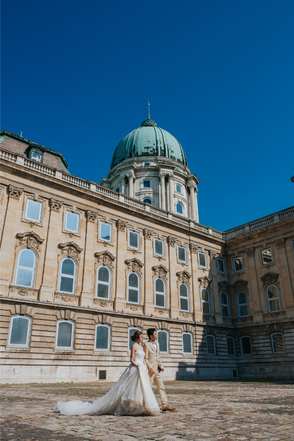 S&G: Budapest Pre-wedding Photoshoot at Castle District by Drew on OneThreeOneFour 18