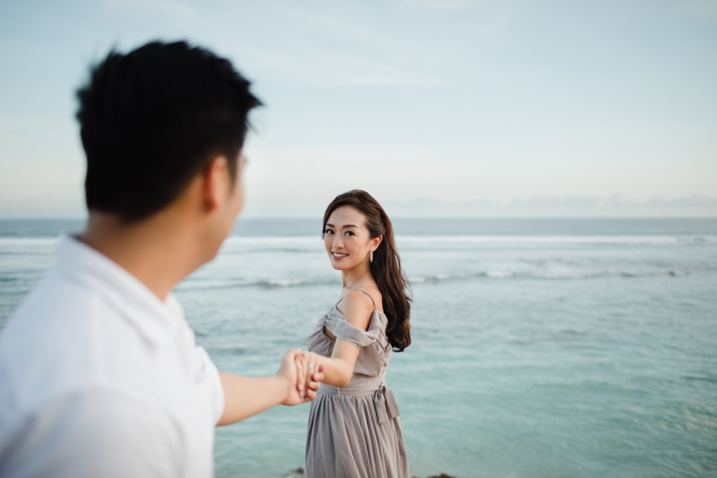 Bali Pre-Wedding Photoshoot At Lake Tamblingan And Limestone Valley At Melasti Beach  by Hendra  on OneThreeOneFour 21