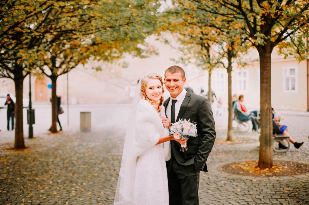 Prague Wedding Photoshoot in Autumn At Old Town Square, Charles Bridge And Astronomical Clock by Vickie  on OneThreeOneFour 20