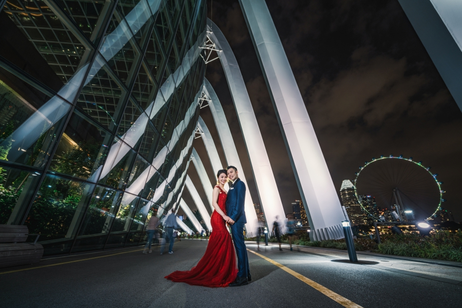 US Couple Pre-Wedding at National Museum, Fort Canning and Garden By The Bay l Singapore Pre-Wedding Photography by Pat  on OneThreeOneFour 13