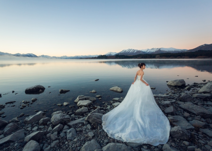 M&P: New Zealand Winter Pre-wedding Photoshoot with Milky Way at Lake Tekapo by Xing on OneThreeOneFour 14