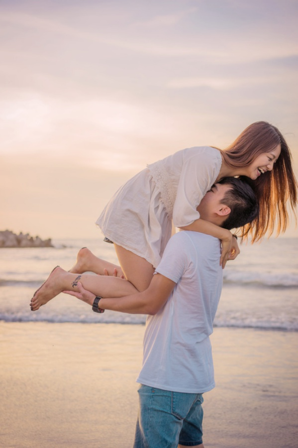 Taiwan Casual Couple Photoshoot At The Beach  by Star  on OneThreeOneFour 10