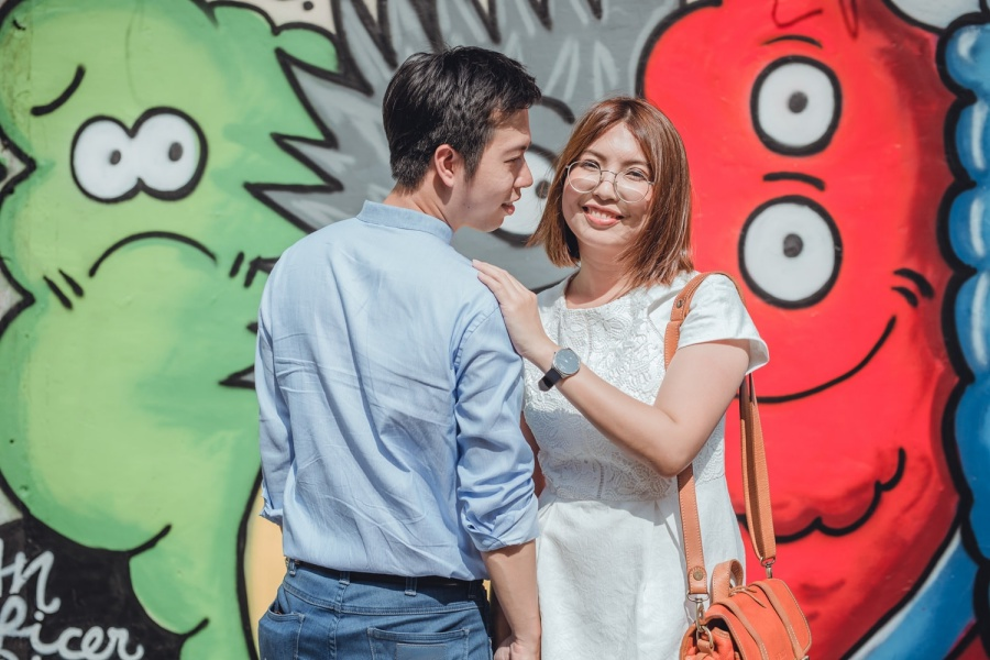 Thailand Bangkok Casual Couple Photoshoot At Olden Streets  by Por  on OneThreeOneFour 7