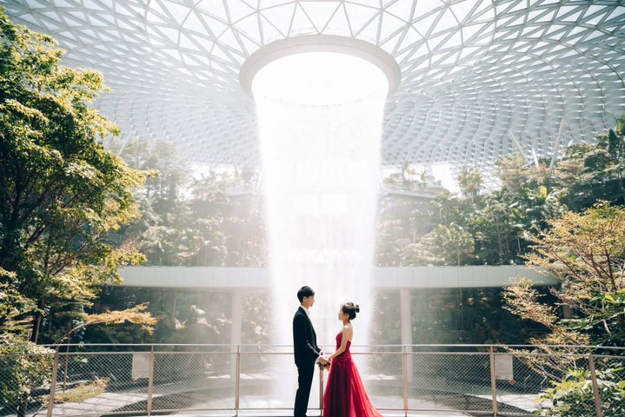 F&N: Cutest couple pre-wedding at Jurong Lake, Gardens by the Bay & Jewel by Grace on OneThreeOneFour 36