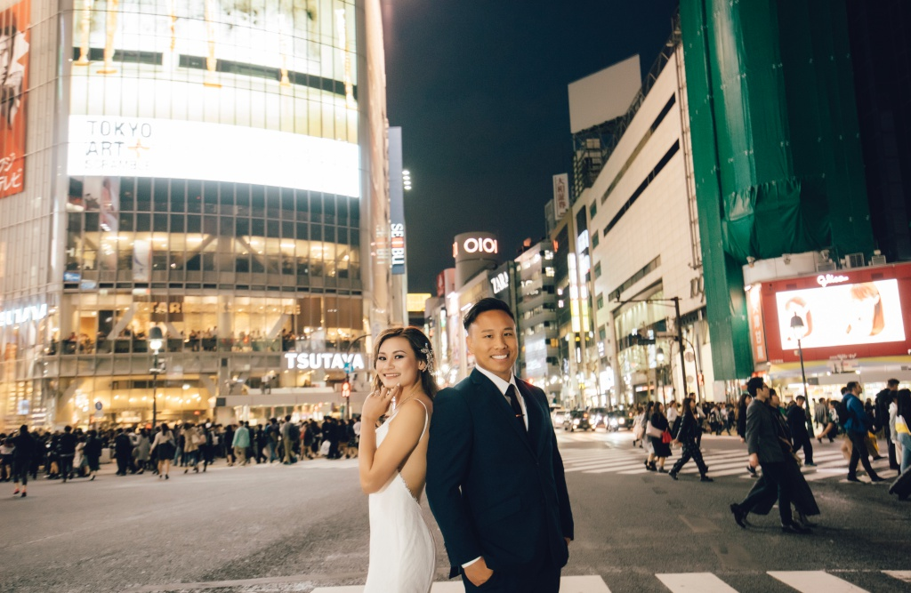 Japan Tokyo Cherry Blossom Pre-Wedding Photoshoot At Park And Shibuya Crossing  by Lenham  on OneThreeOneFour 14