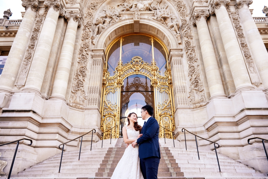Paris Wedding Photoshoot At Eiffel Tower, Carousel, Pont Alexandre III, Petit Palais and the Louvre Pyramid by Arnel  on OneThreeOneFour 7