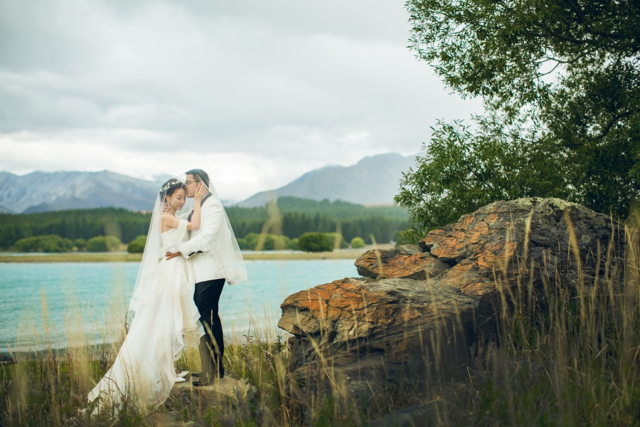 New Zealand Pre-Wedding Photoshoot At Christchurch, Lake Pukaki And Alpaca Farm  by Xing on OneThreeOneFour 34