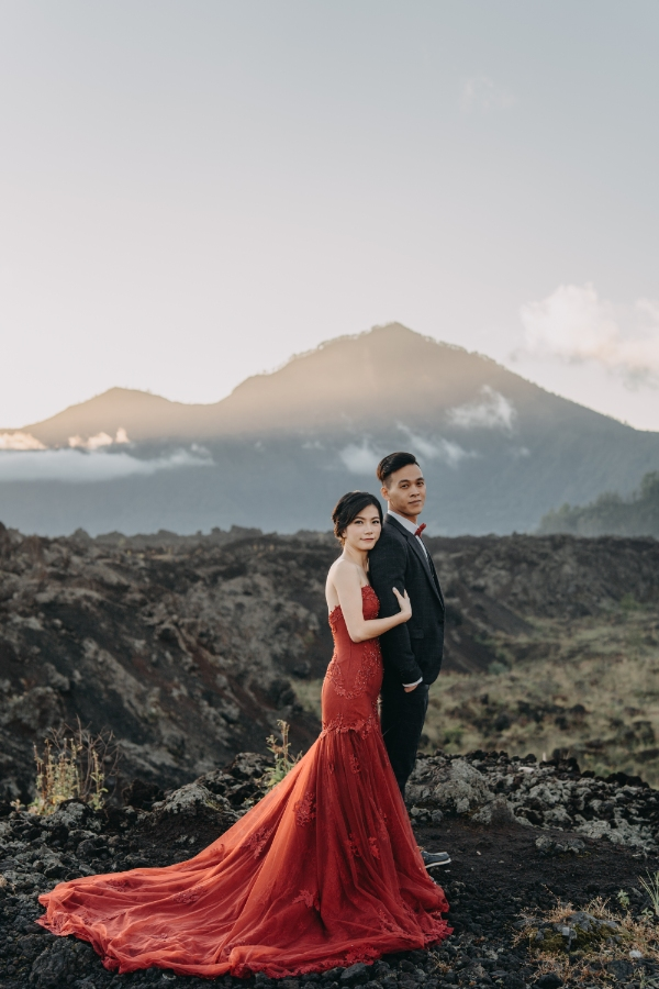 A&W: Bali Full-day Pre-wedding Photoshoot at Cepung Waterfall and Balangan Beach by Agus on OneThreeOneFour 2