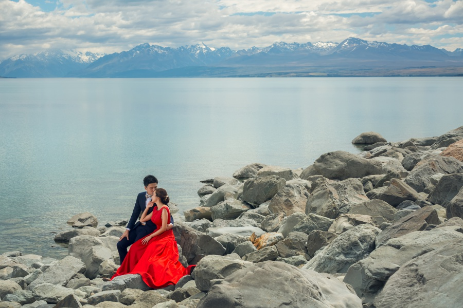 New Zealand Pre-Wedding Photoshoot At Lake Tekapo And Lake Pukaki  by Xing on OneThreeOneFour 8