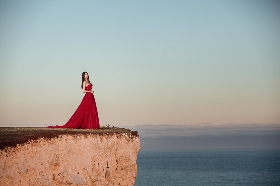 London Pre-Wedding Photoshoot At White Cliff  by Dom  on OneThreeOneFour 15