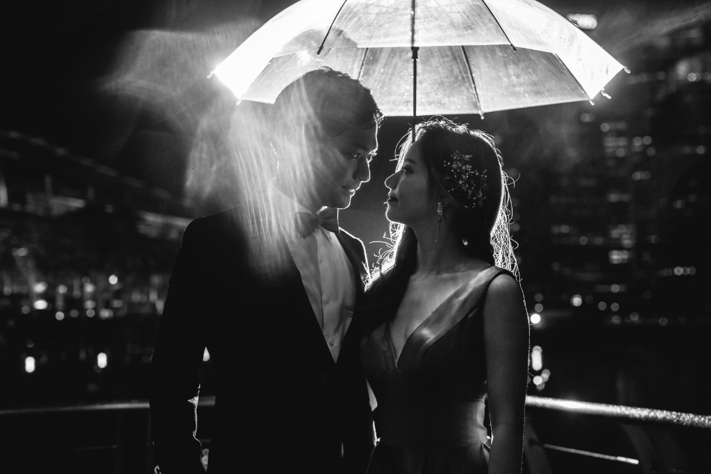 Singapore Pre-Wedding Photography - Japanese Couple Pre-Wedding Night Photoshoot at MBS by Cheng on OneThreeOneFour 22