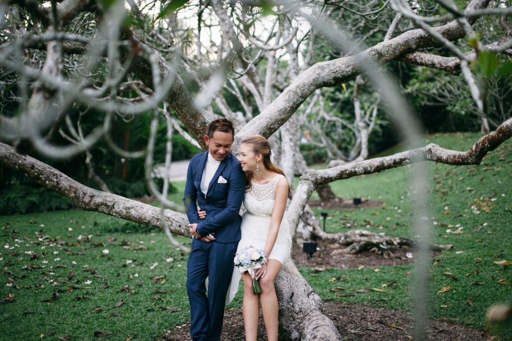 Singapore Pre-Wedding Photoshoot At Singapore Botanical Gardens  by Cheng on OneThreeOneFour 3