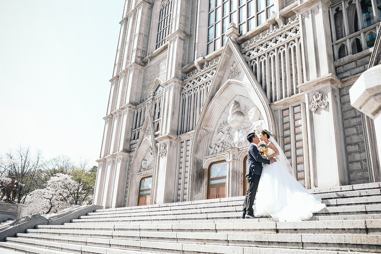 Korea Cherry Blossom Pre-Wedding Photoshoot At Seoul Forest And Kyunghee University  by Beomsoo on OneThreeOneFour 12