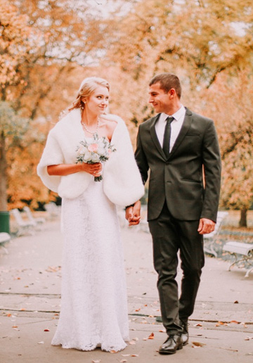 Prague Wedding Photoshoot in Autumn At Old Town Square, Charles Bridge And Astronomical Clock