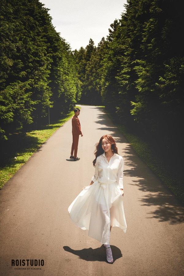 ROI Studio: Jeju Island Pre-Wedding Photography Studio by Roi on OneThreeOneFour 25